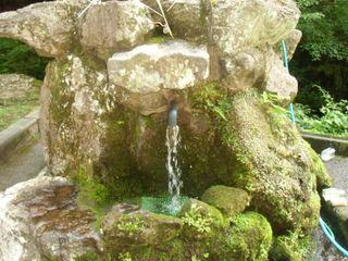 くずろ谷湧水